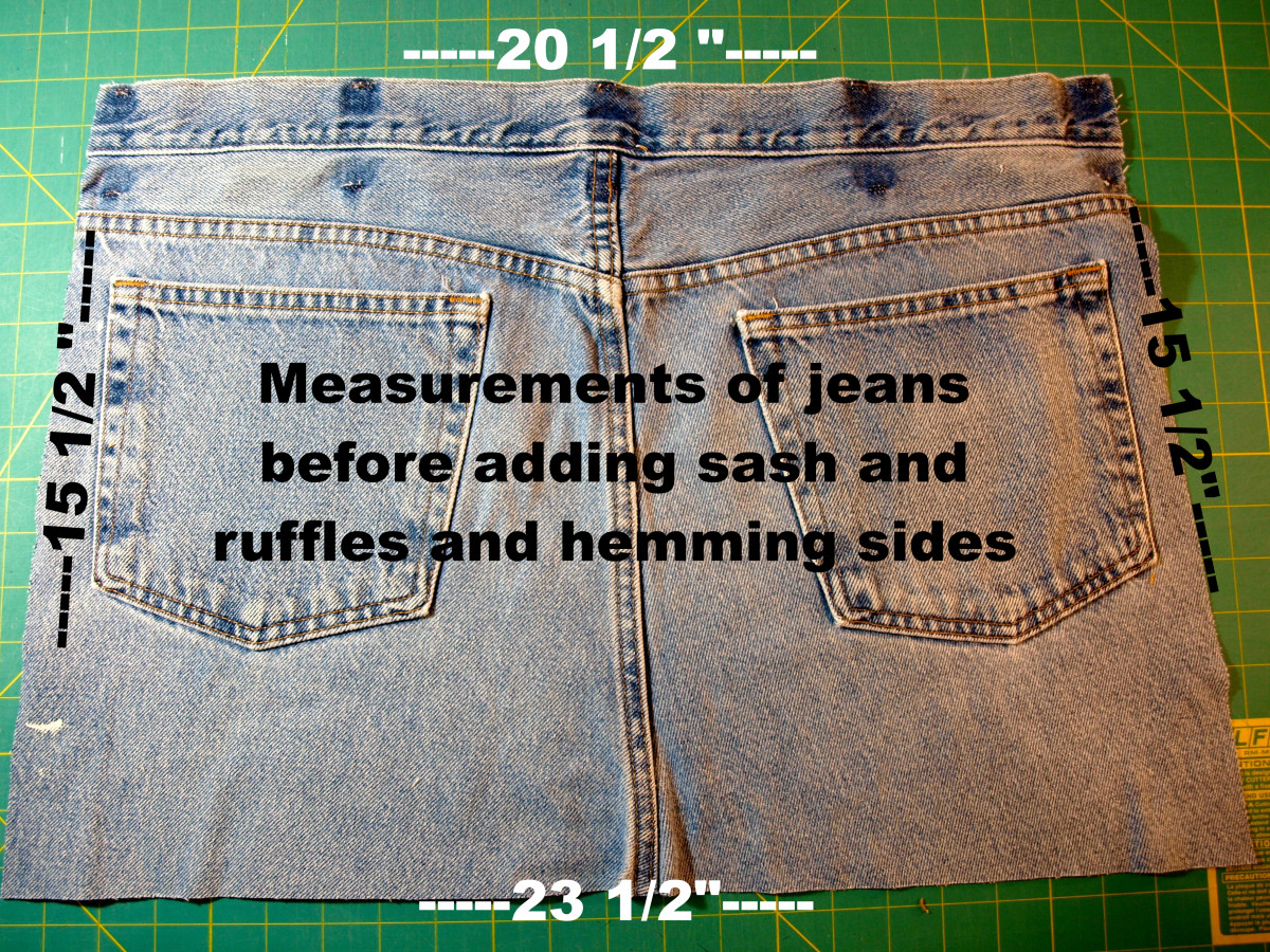 Cut the jeans to the measurements indicated.