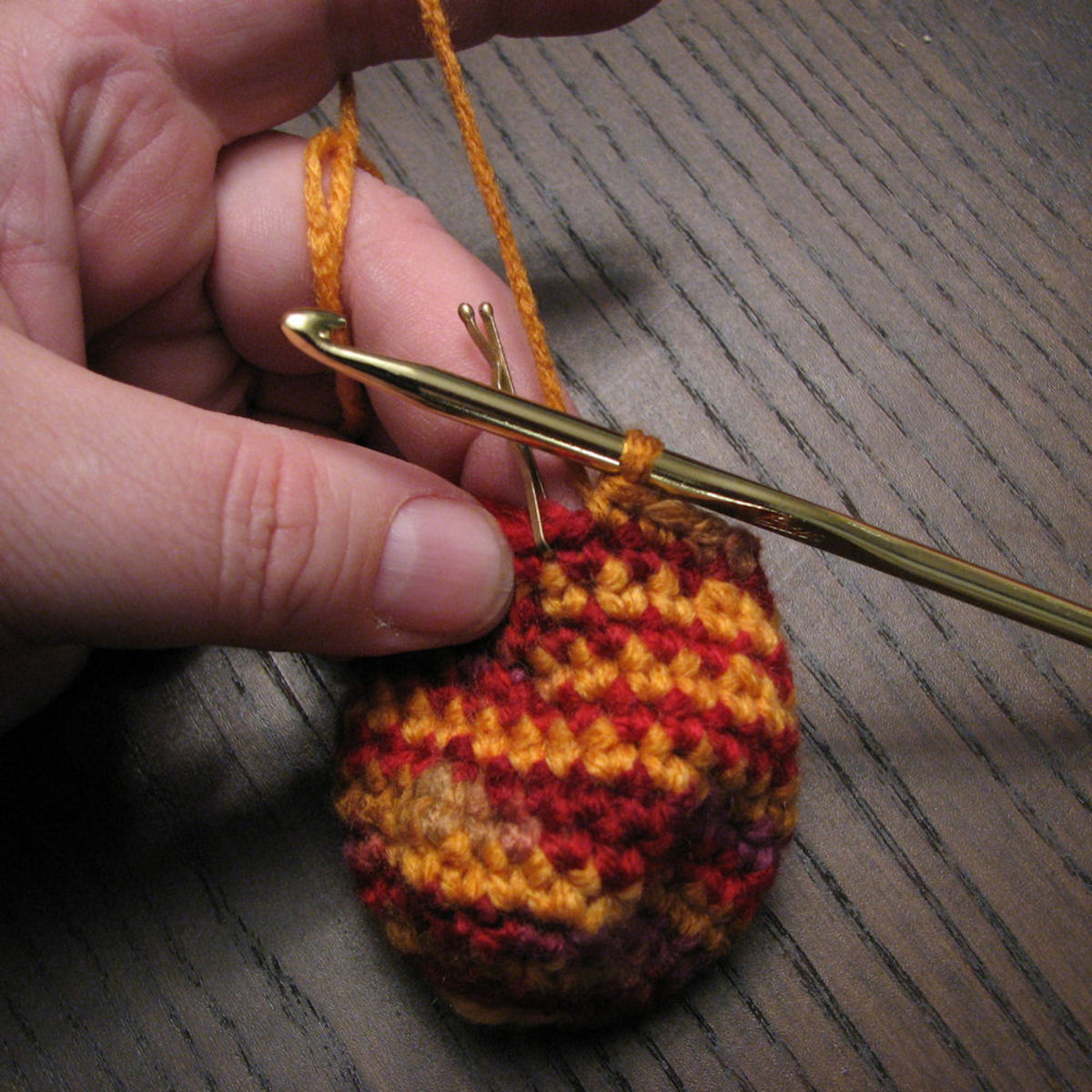 how-to-crochet-easter-eggs-a-free-pattern