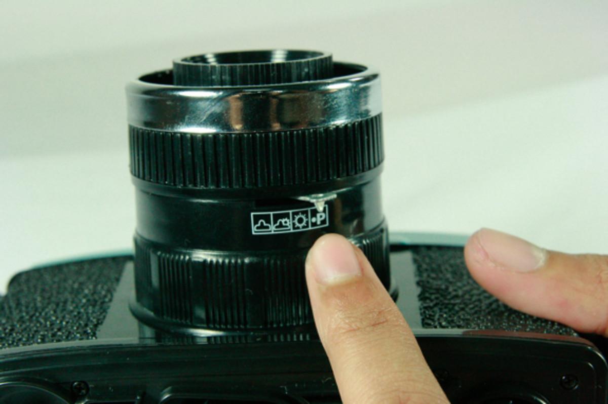 Aperture settings on the Diana F+ camera