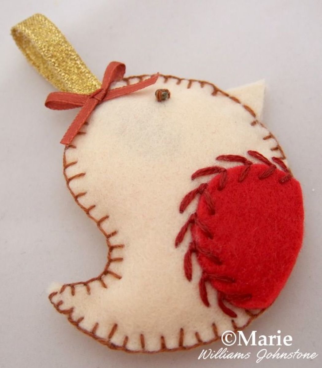 Red Robin Felt Bird Christmas Hanging Ornament