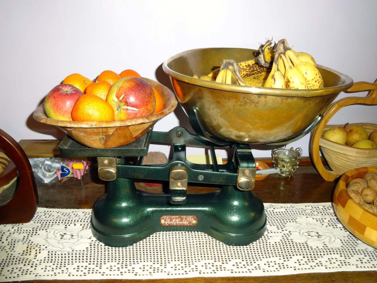 Renovated scales in pride of place on the sideboard as a novelty fruit bowl.