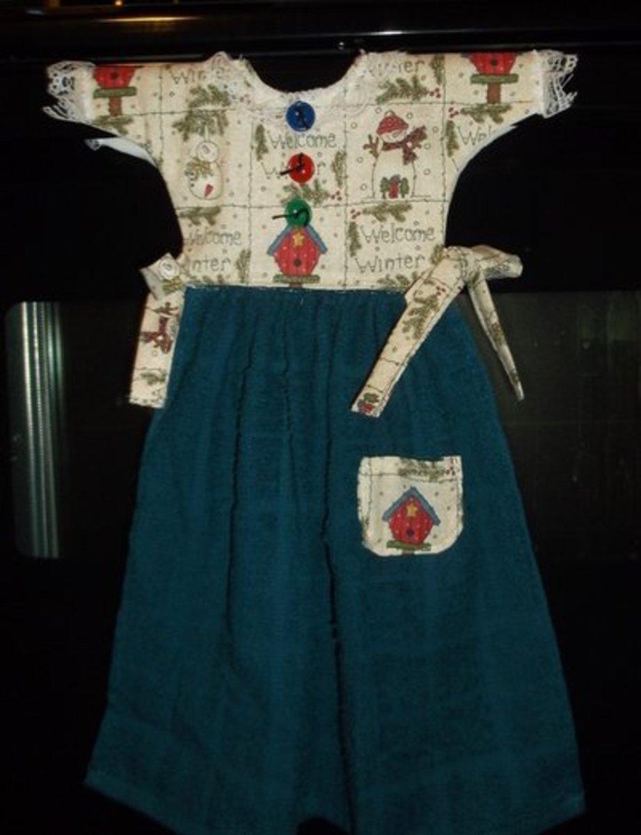 making-a-decorative-oven-door-towel-dress