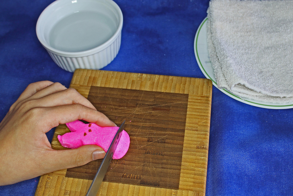 Cut the bottom of Peep with a sharp knife dipped in water.