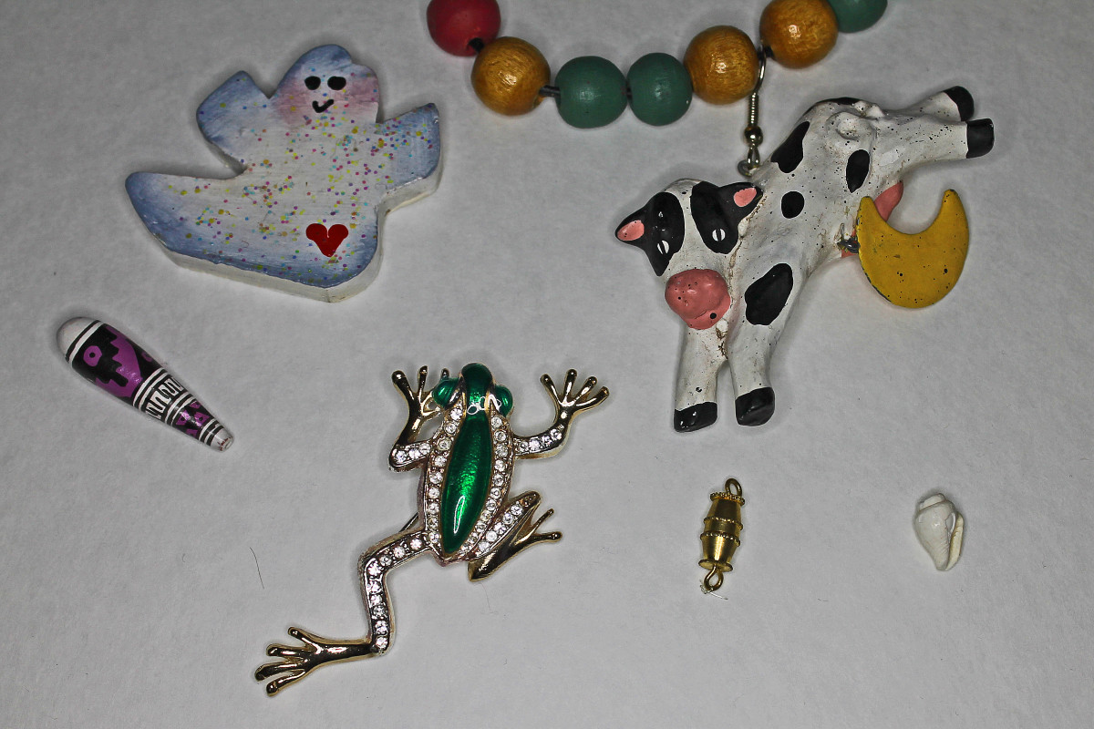 These little things from my jewelry box could function as props in a Peeps diorama.
