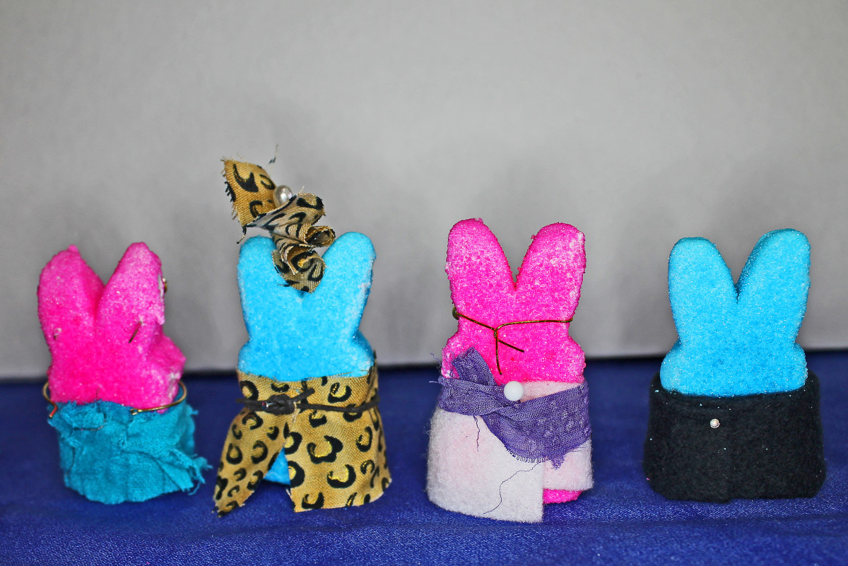 If you aren't going to photograph the back of the Peeps for your diorama, you can just pin and tie clothing on.
