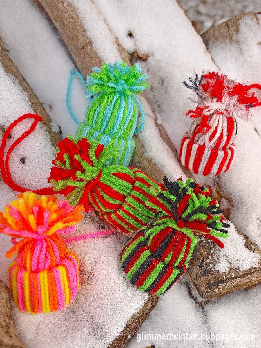 Just a few color combination ideas for your yarn hat ornament.