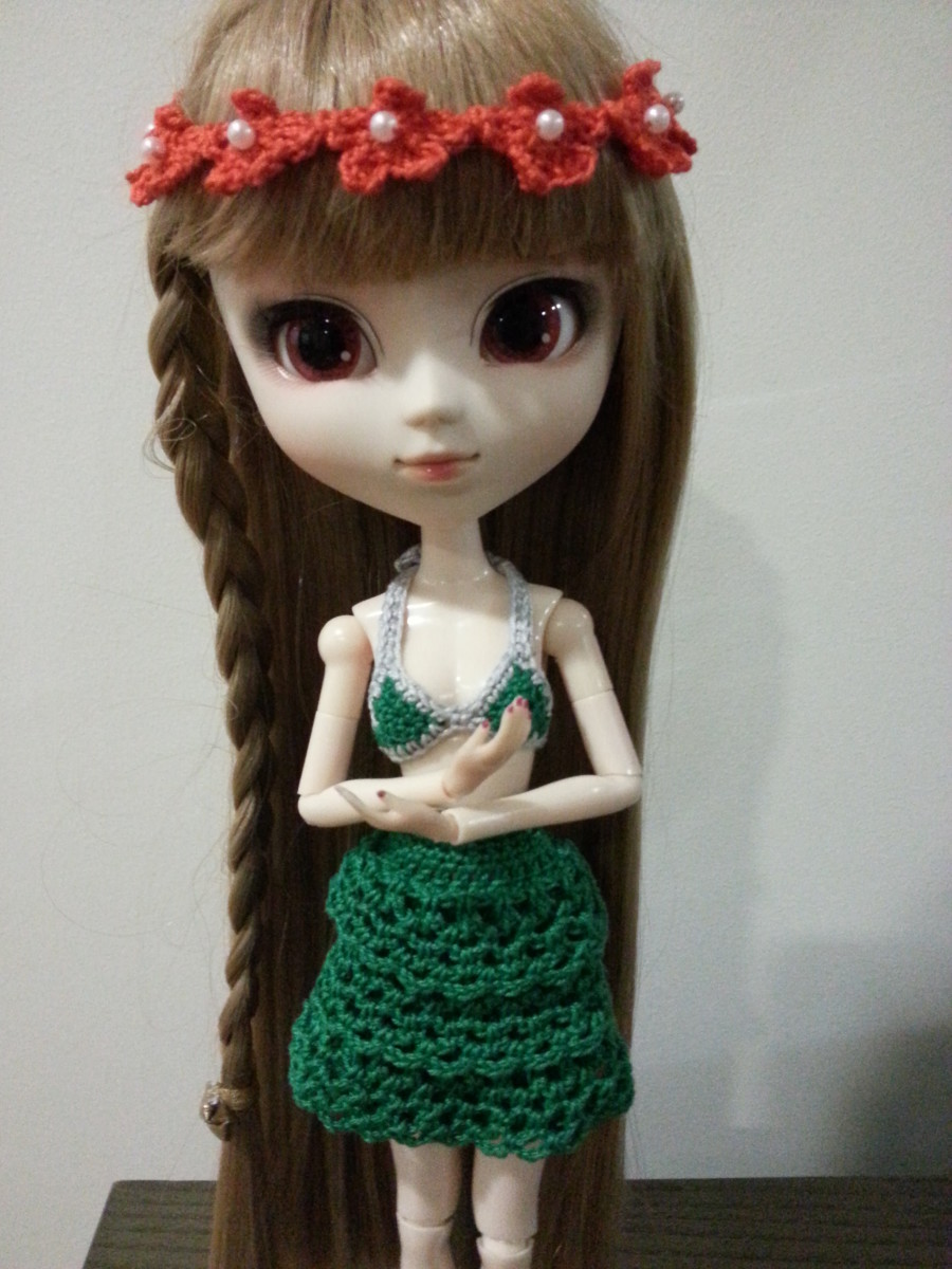 Pullip changing to her Bikini Top for an afternoon of swimming.