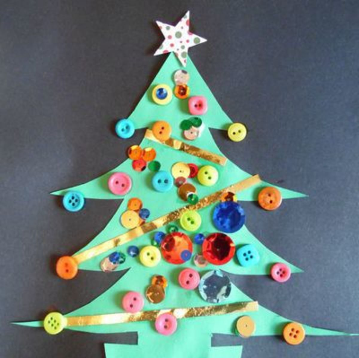 button christmas tree art