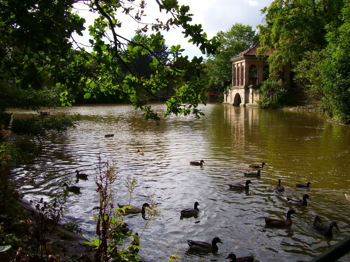 The Roman boathouse at the world's first public park!