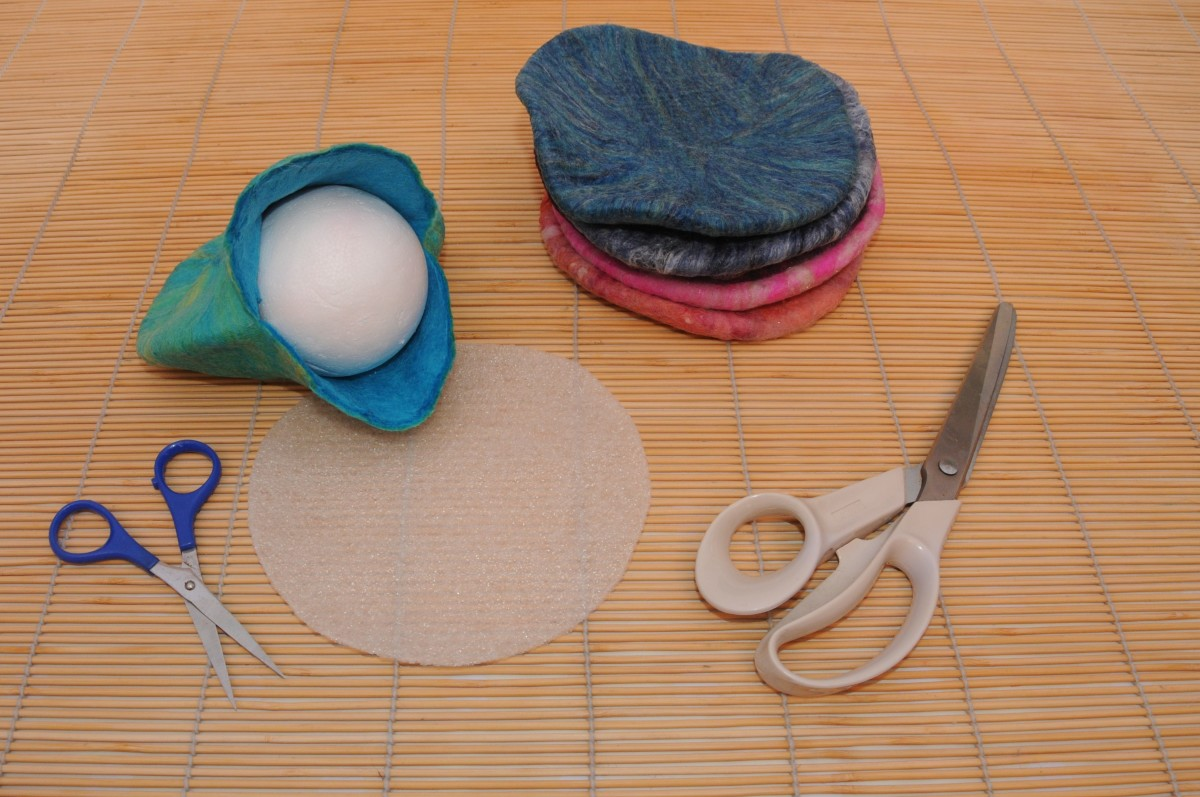 Image shows the largest polystyrene ball inside the 1st purse.