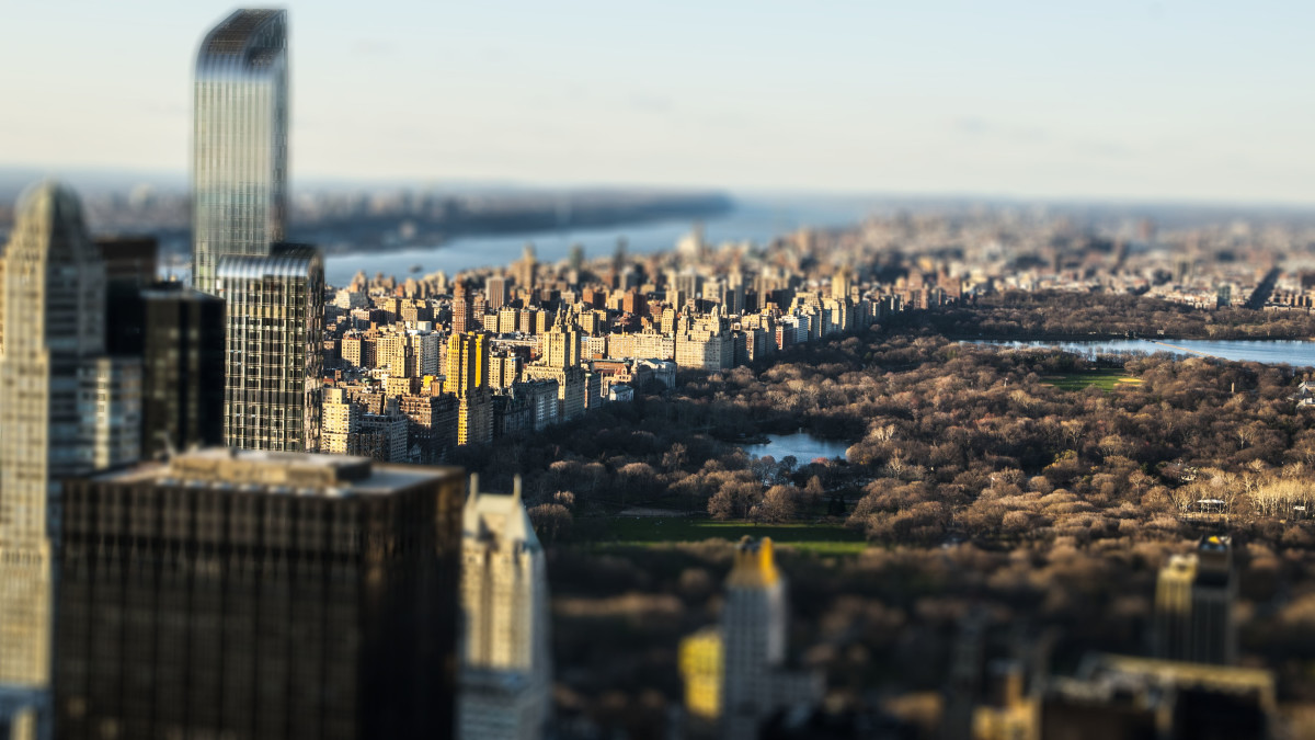 This picture I took in Manhattan, New York City, has been edited using the tilt-shift technique