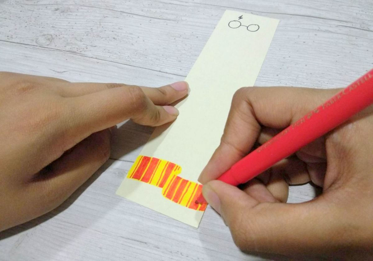 diy-harry-potter-inspired-bookmark-ideas