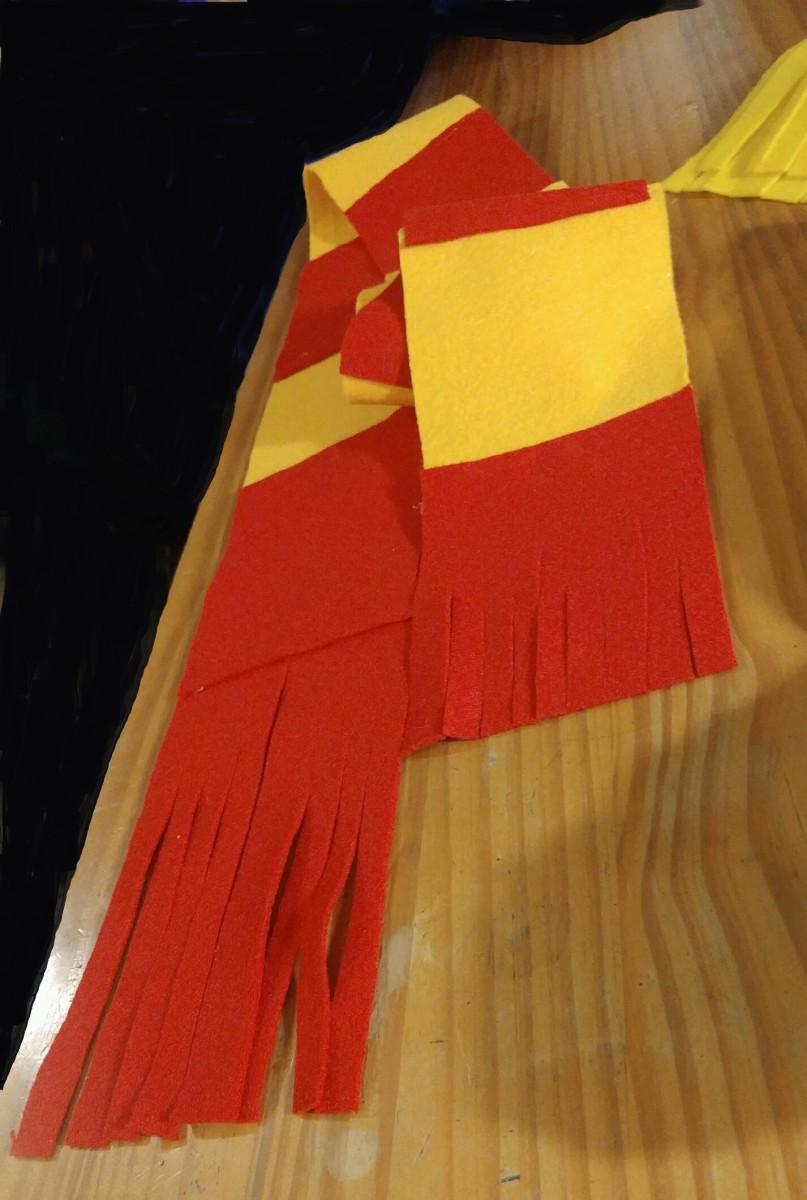 Gryffindor House scarf.