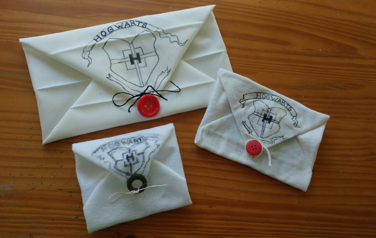 The Hogwarts acceptance envelope may be any size.
