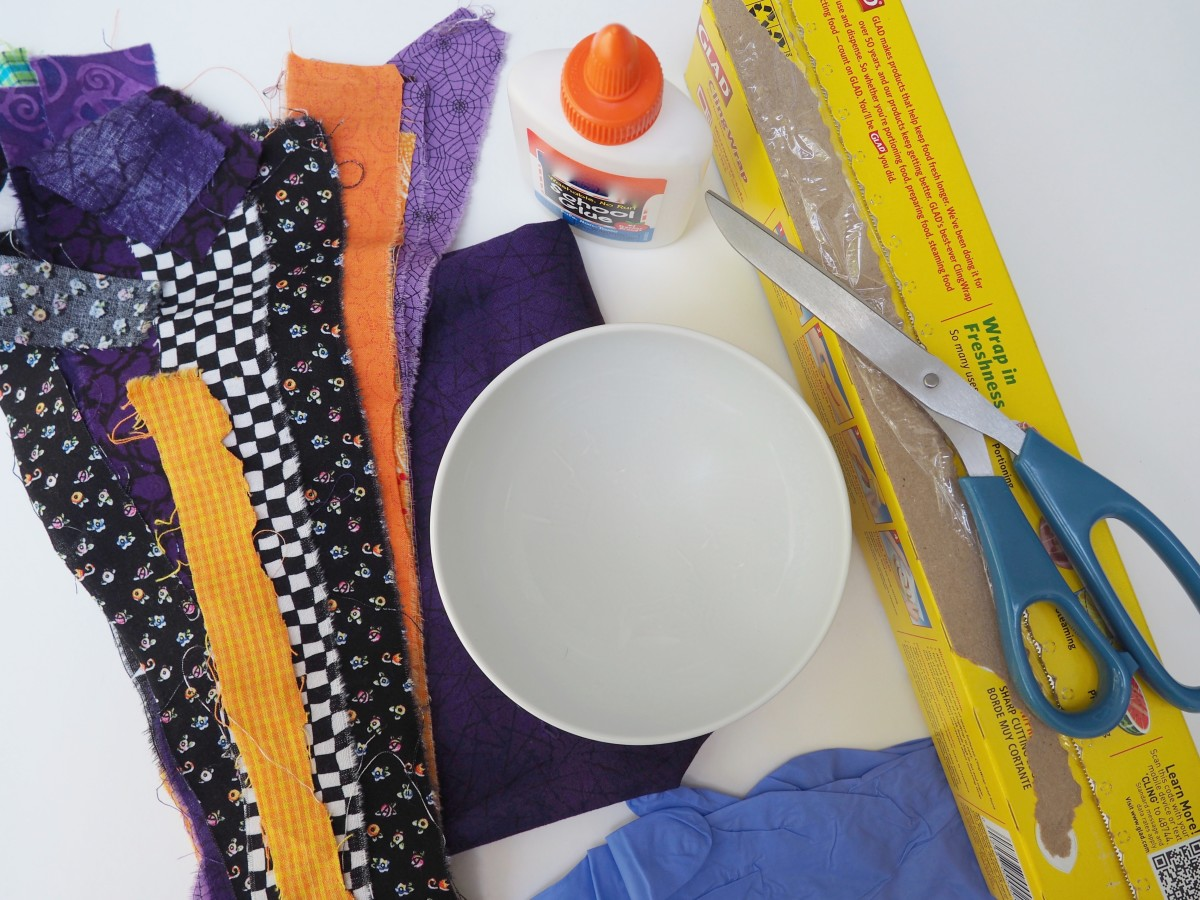Supplies for the fabric bowls.