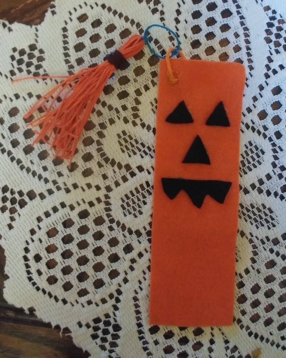 Jack-o'Lantern Bookmark!