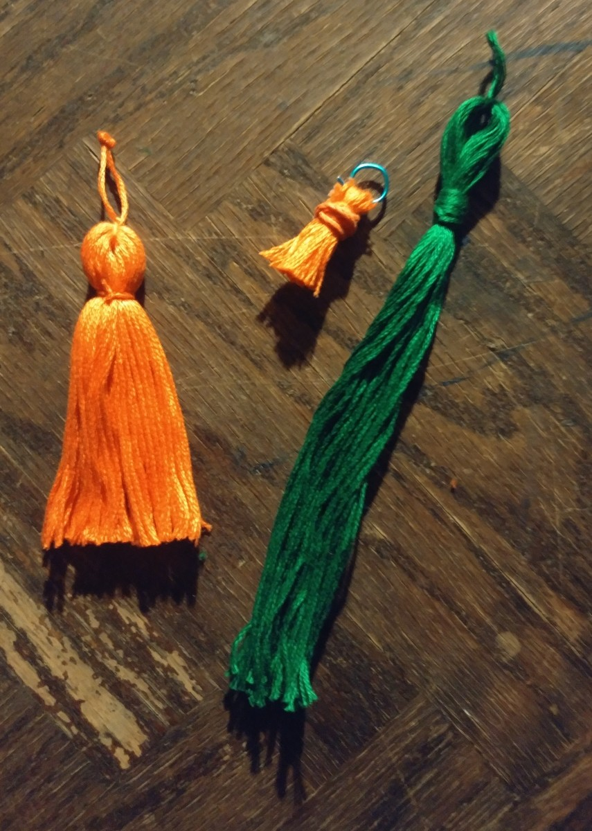 Here are tassels that can be used for crafts!