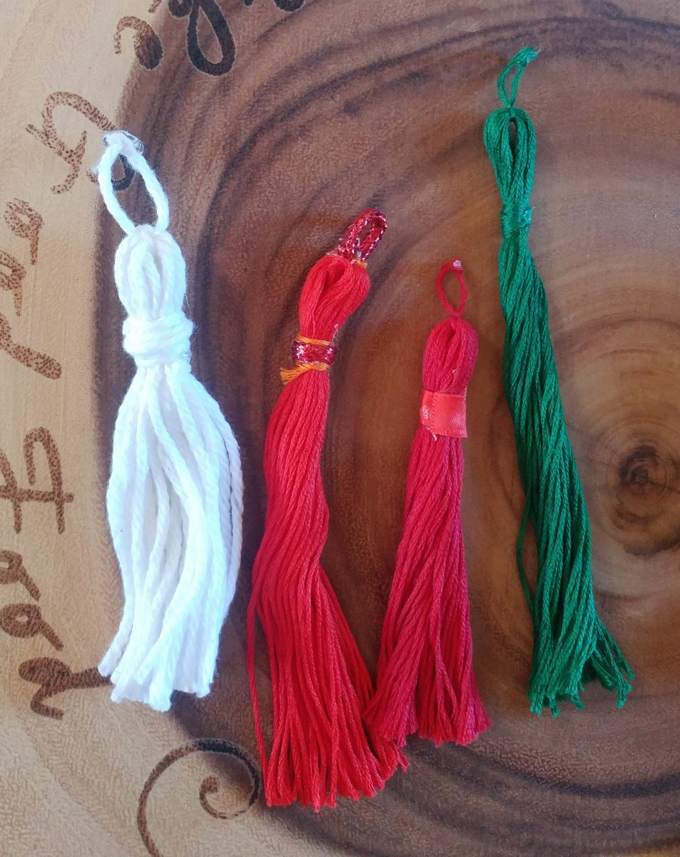 You can also make tassels from yarn or add other embellishments. Have fun!