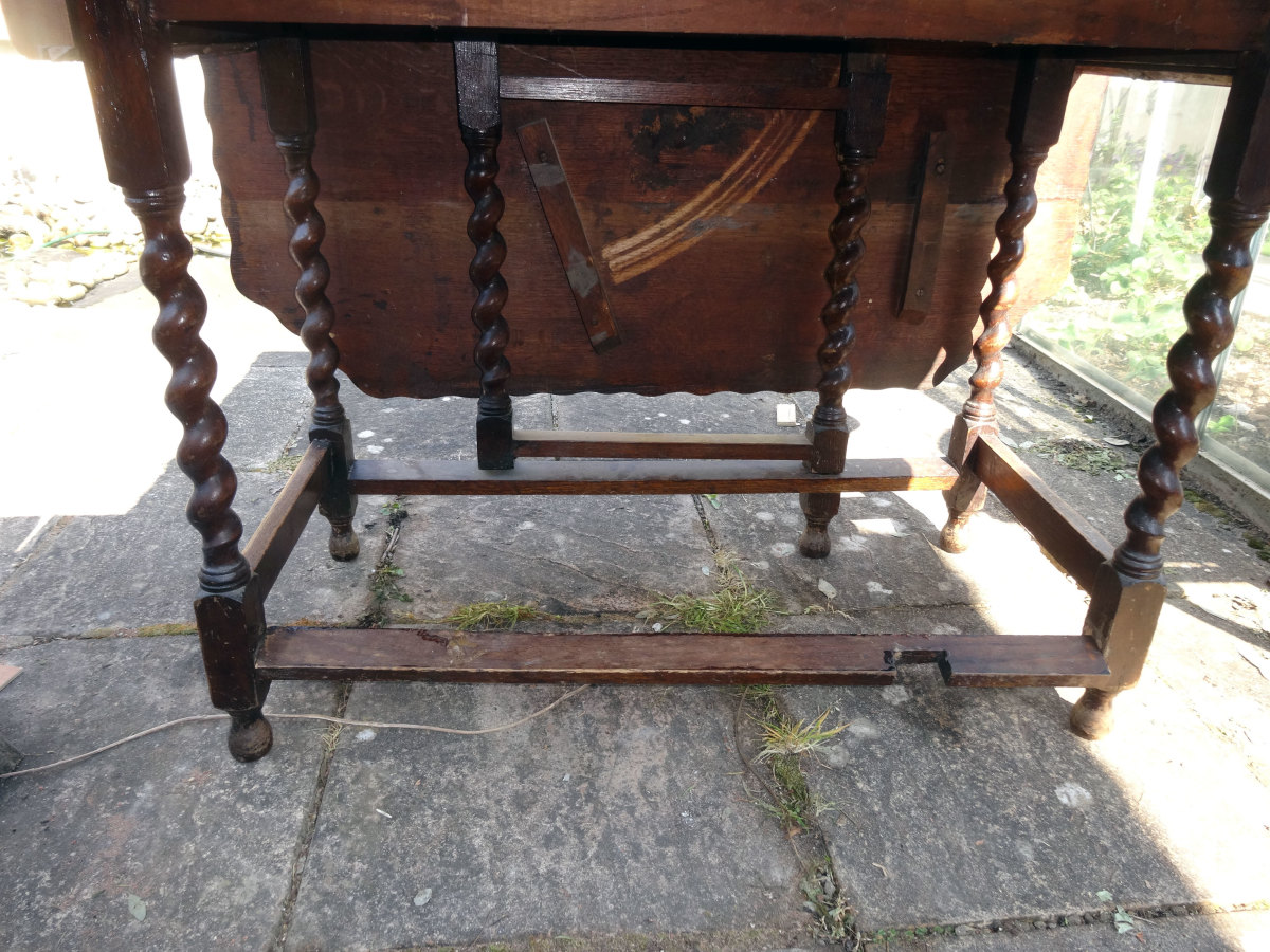 Broken front box stretcher to be replaced by under table shelf.