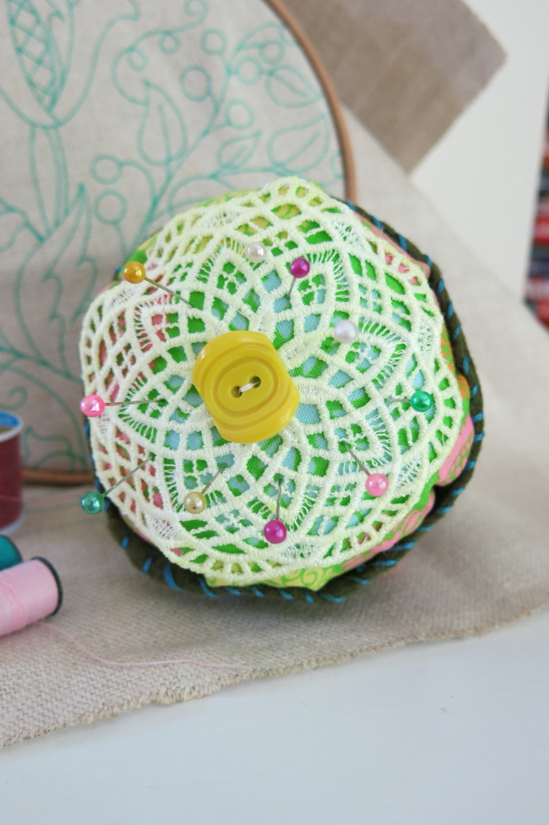 One of many ways to decorate the top of your pincushion