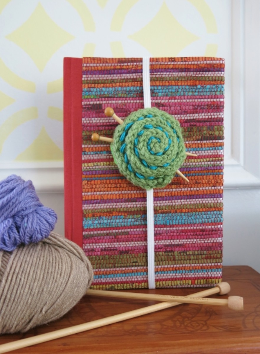 Knitted Yarn Ball Bookmark