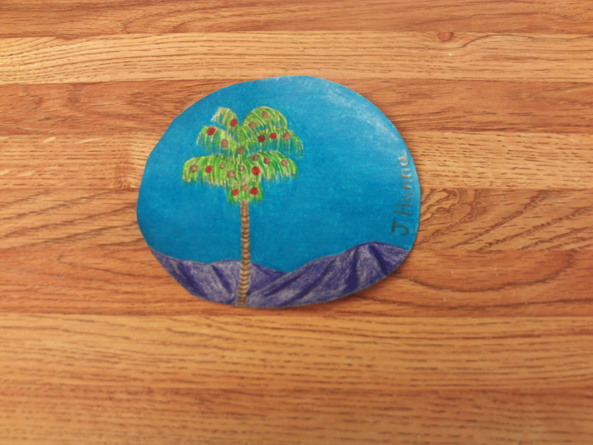 The completed palm tree drawing for the Christmas ornament.
