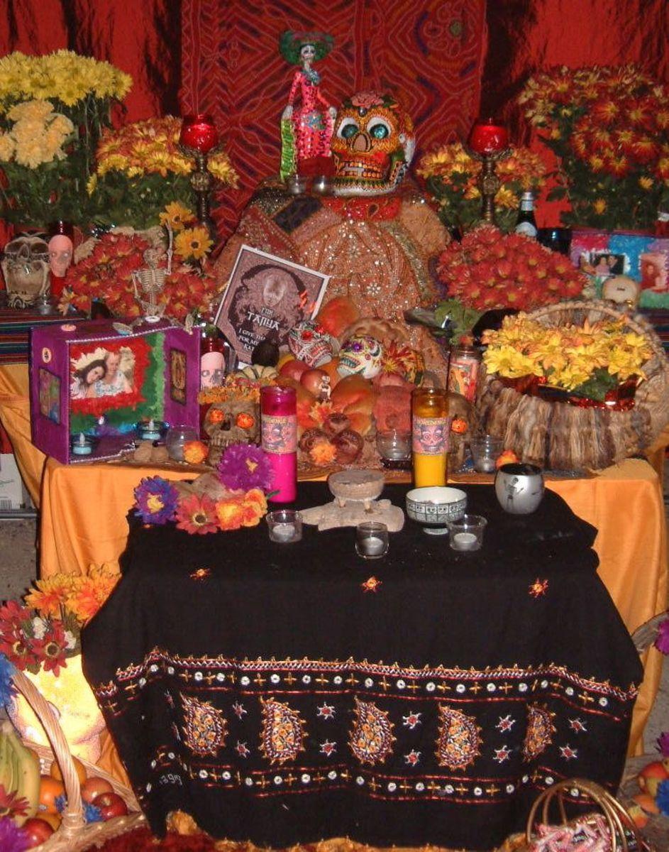 A Dia de los Muertos altar