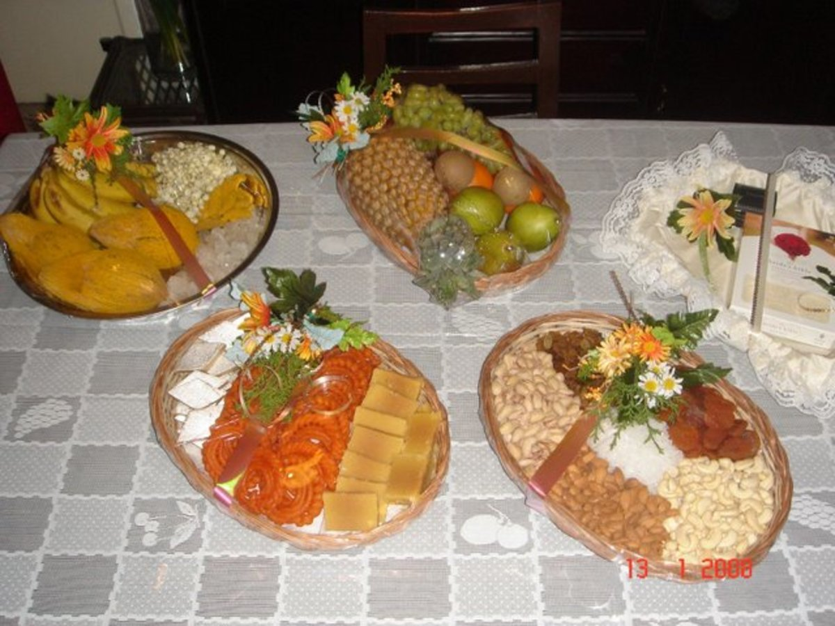 The traditional sweets, fruit, and nuts delivered by the groom's family to the bride's home the morning of the wedding.