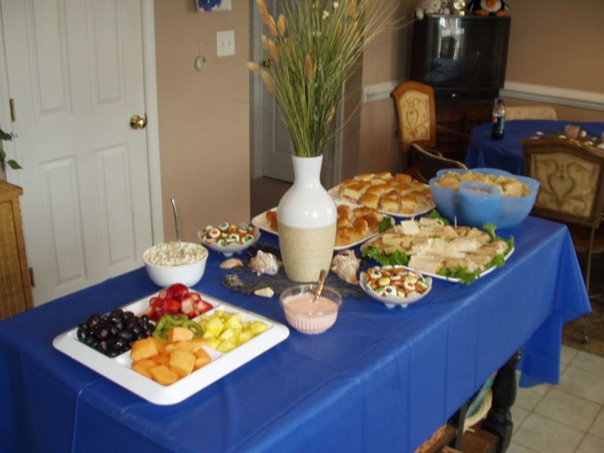 A table full of party food! Yum!