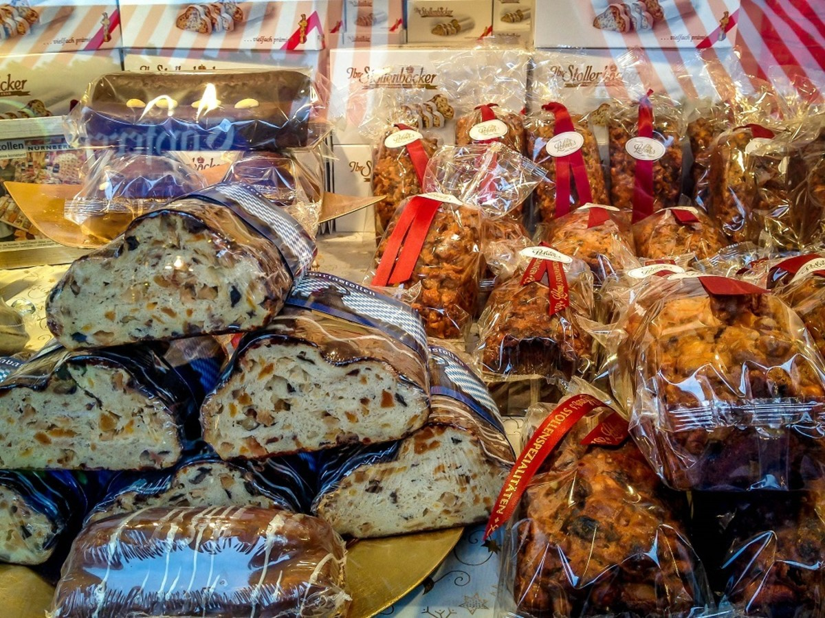 Stollen for sale at the Nuremburg Christkindlmarkt
