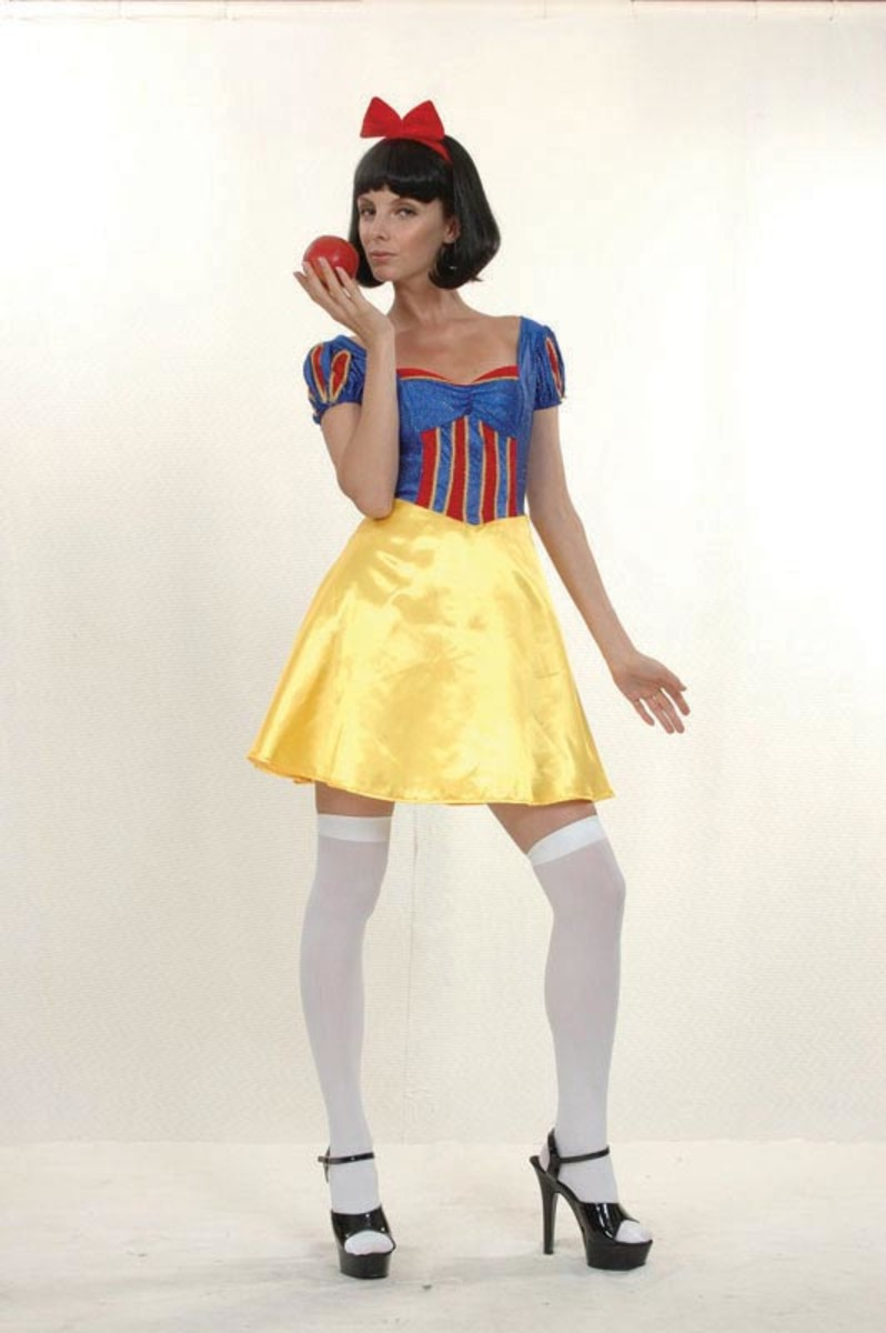 Costume ideas starting with the letter s holidappy snow white costume solutioingenieria Image collections