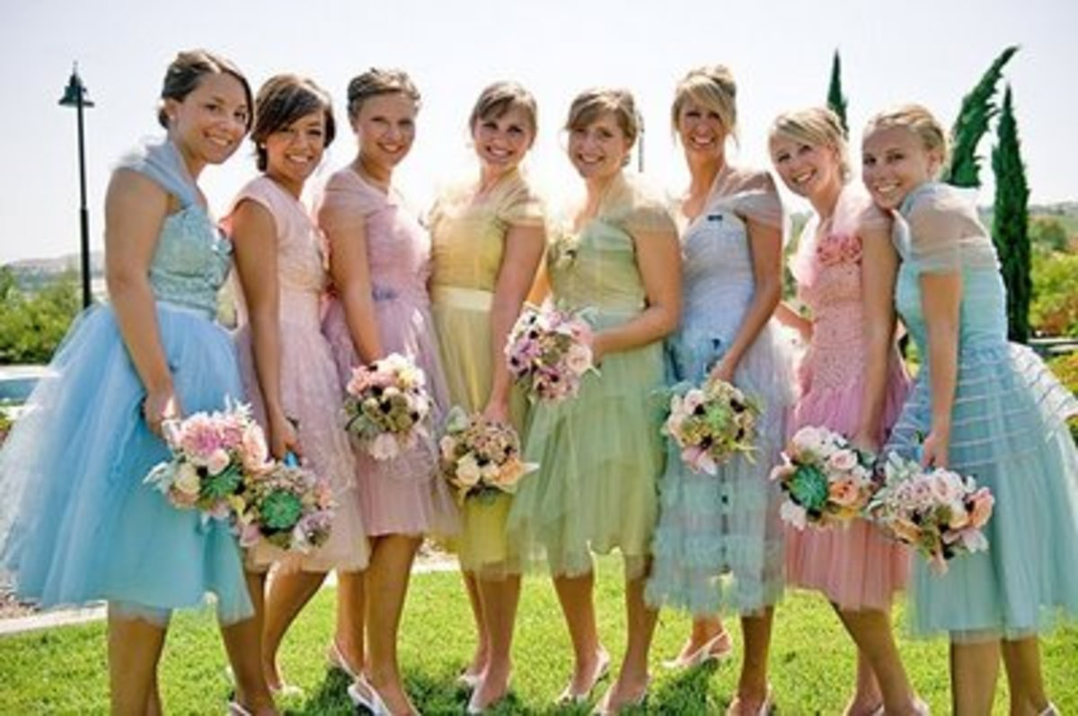 Pretty bridesmaids all in a row...