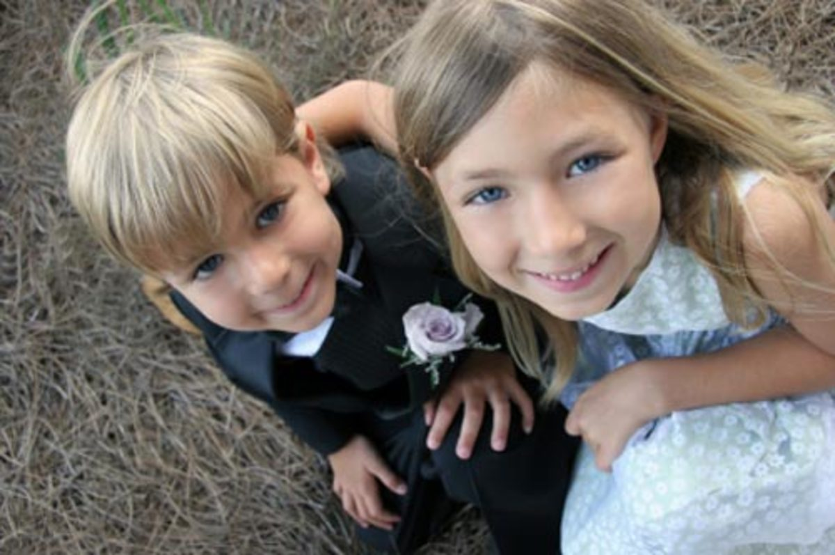 The ring bearer and flower girl are always adorable!