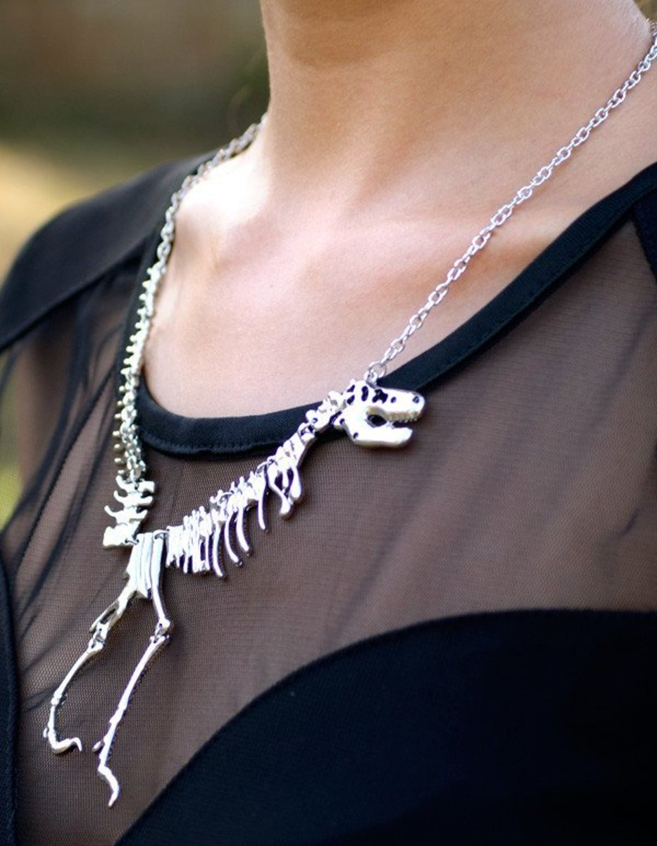 This eye-catching dinosaur skeleton necklace would make an awesome gift for a girl who likes cool, unusual jewelry.