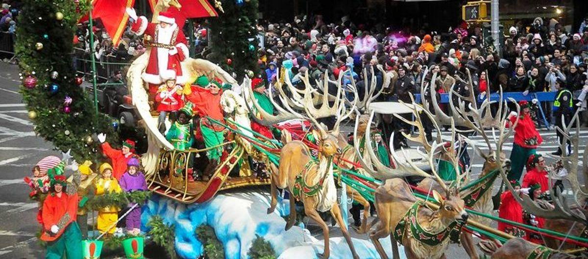 Santa and reindeer, Macy's parade 2007