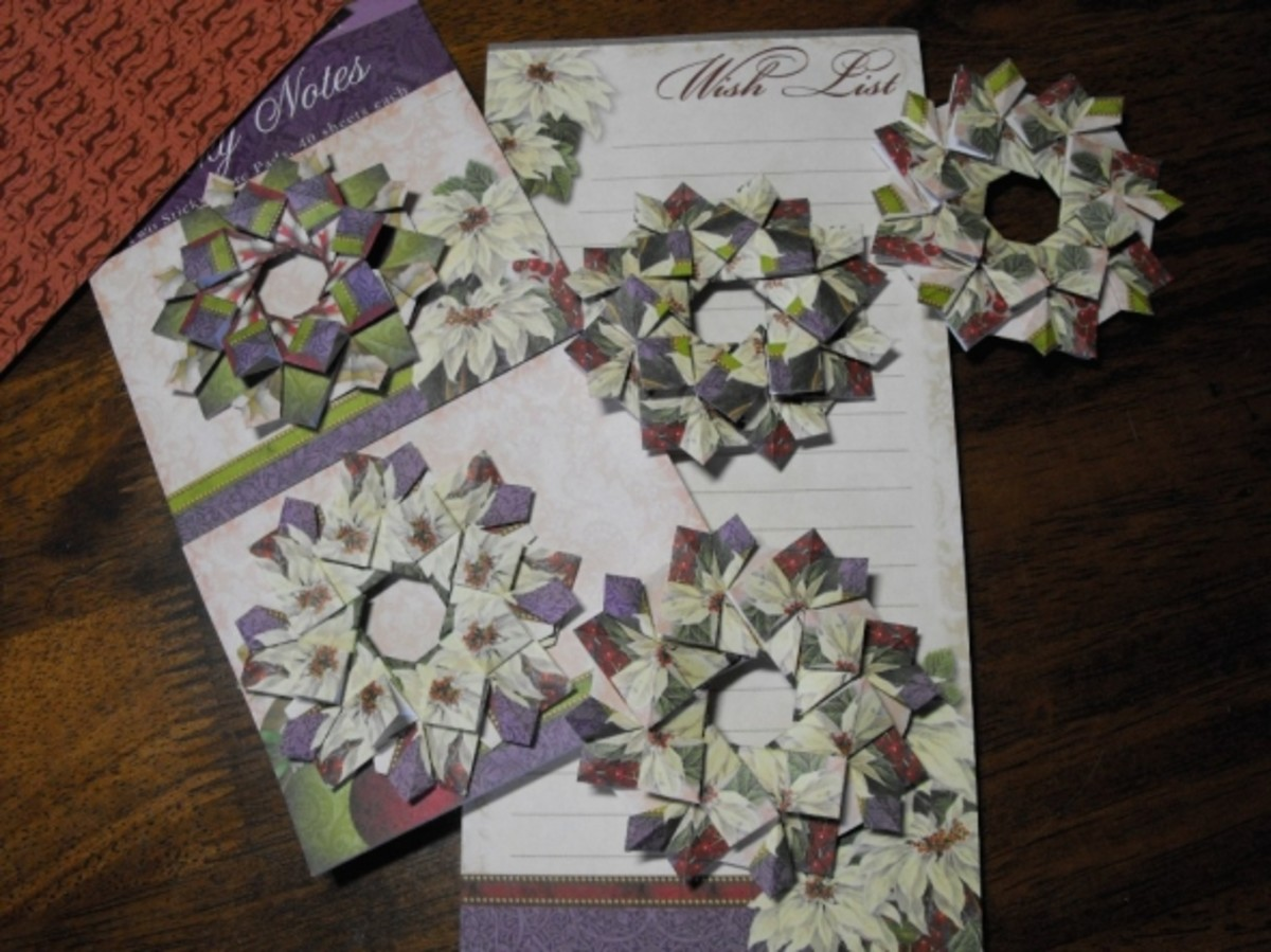 This shows the sticky notes and list pad I used for many of the wreaths on this page. Notice how the finished patterns are all different.