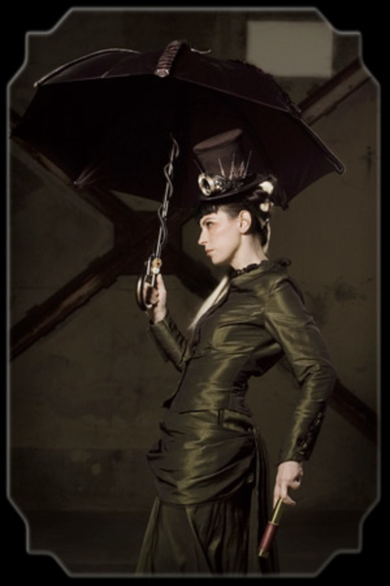 Another beauty. Hat and Umbrella help to finish off the Steampunk bride look.