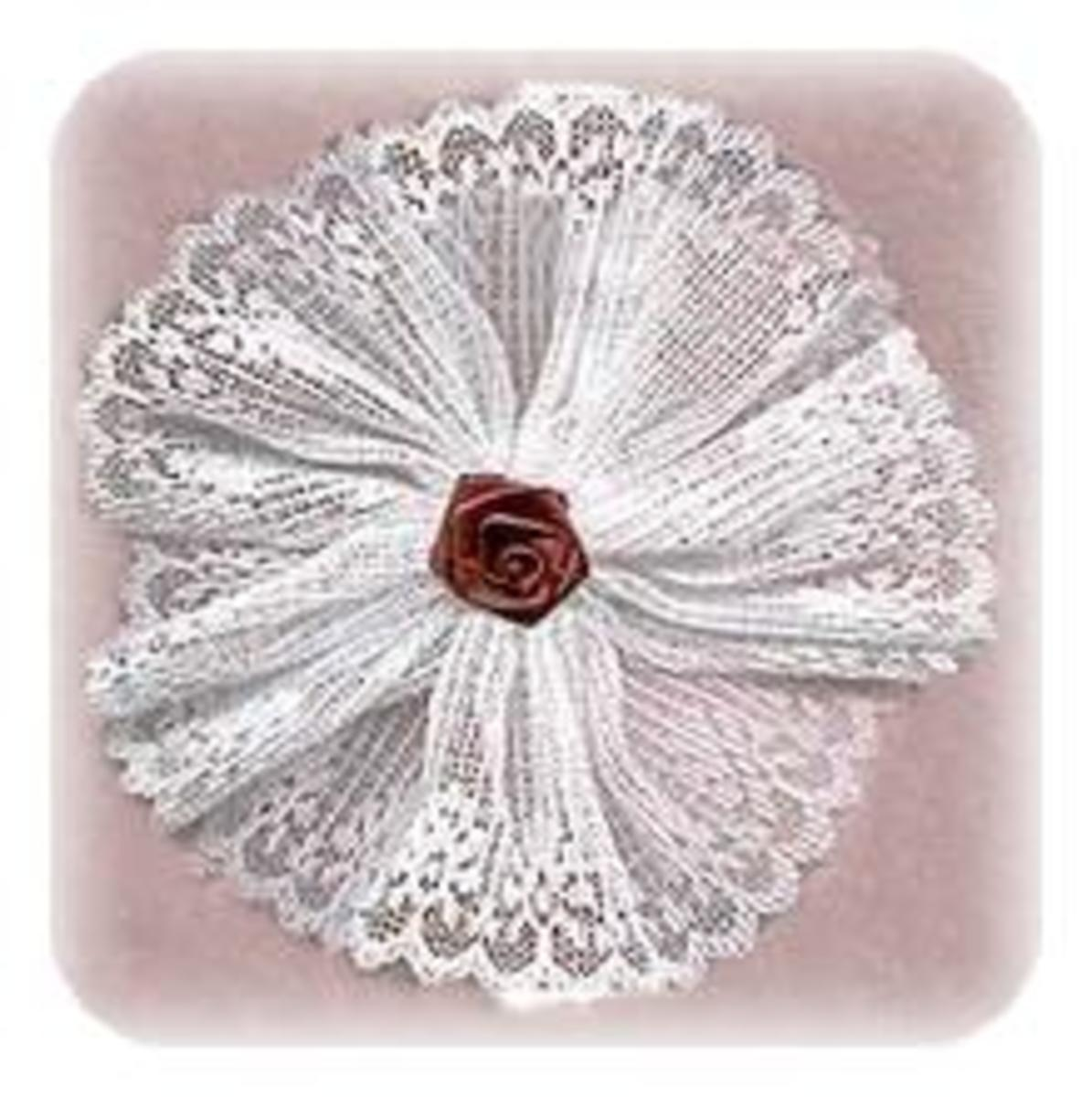 victorian-lace-christmas-ornament