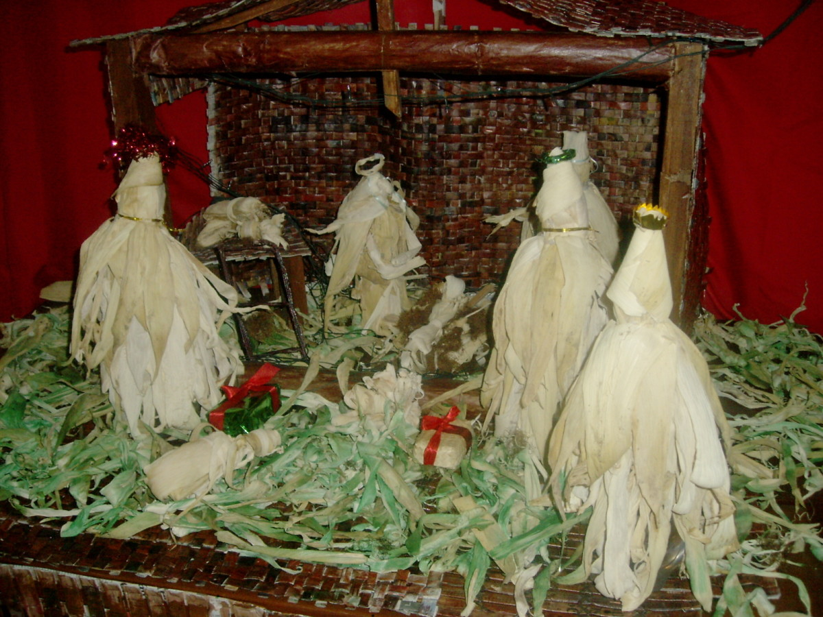 Mangers or Nativity Scene Displays Using Recycled Papers ...