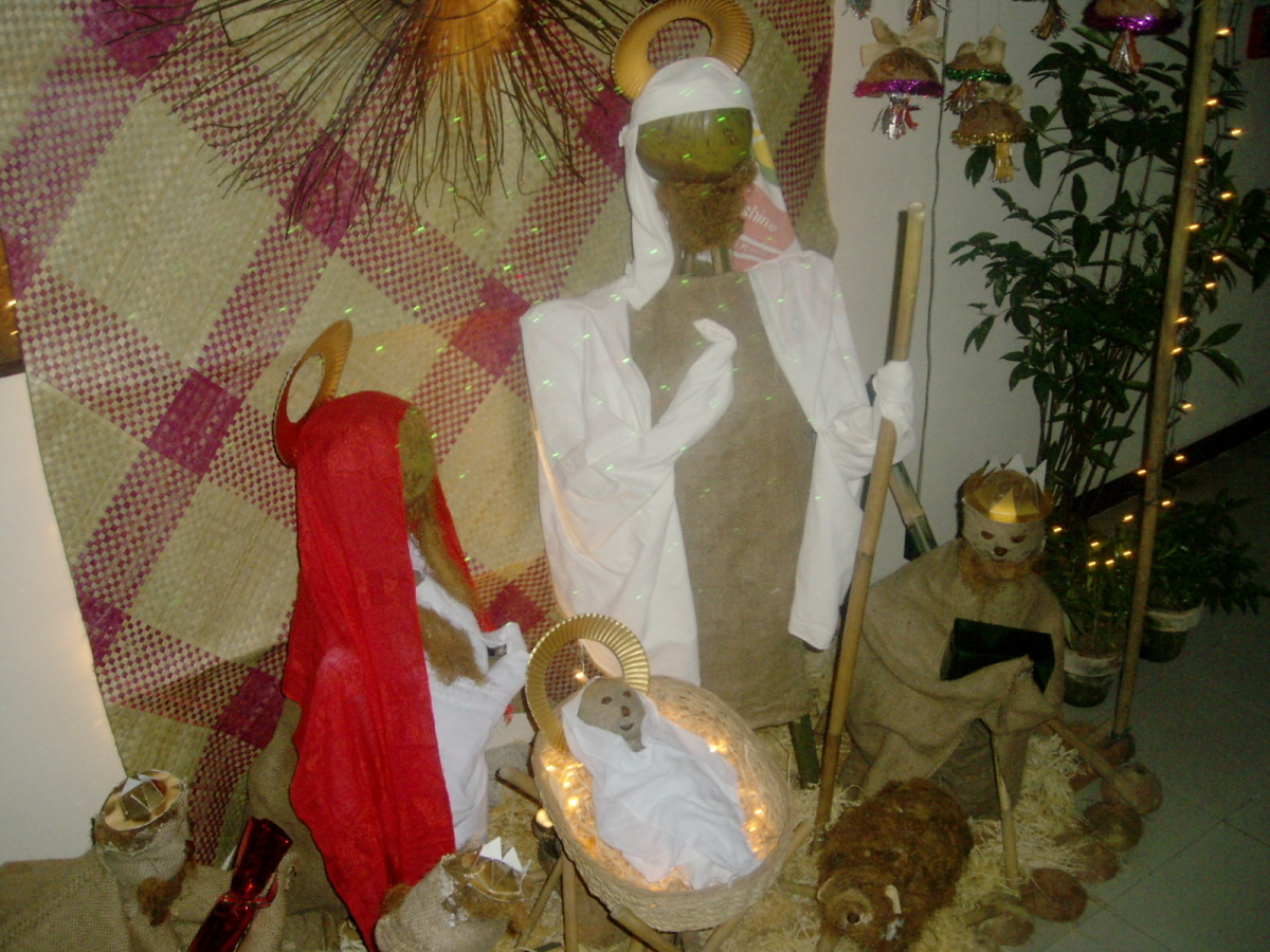 Mangers Or Nativity Scene Displays Using Recycled Papers