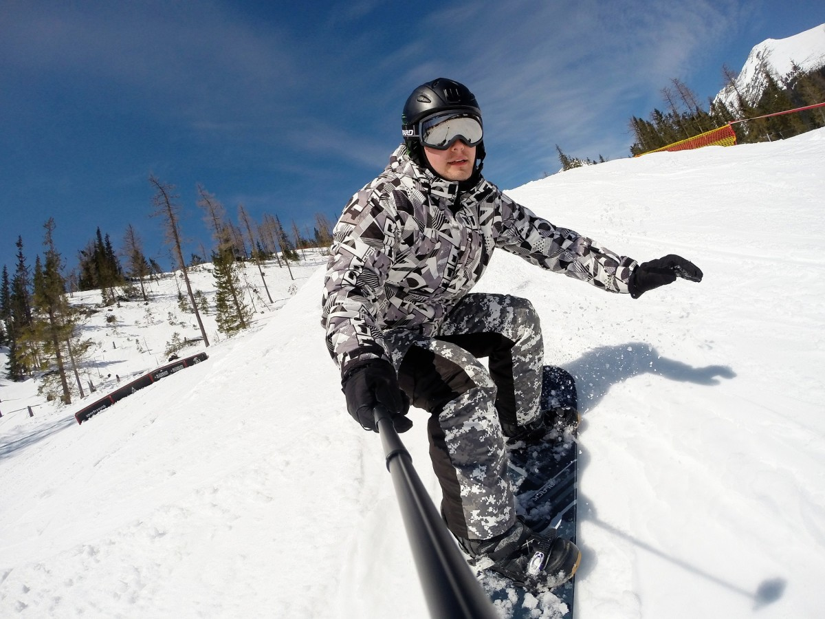 Gift ideas for guys who like winter sports.