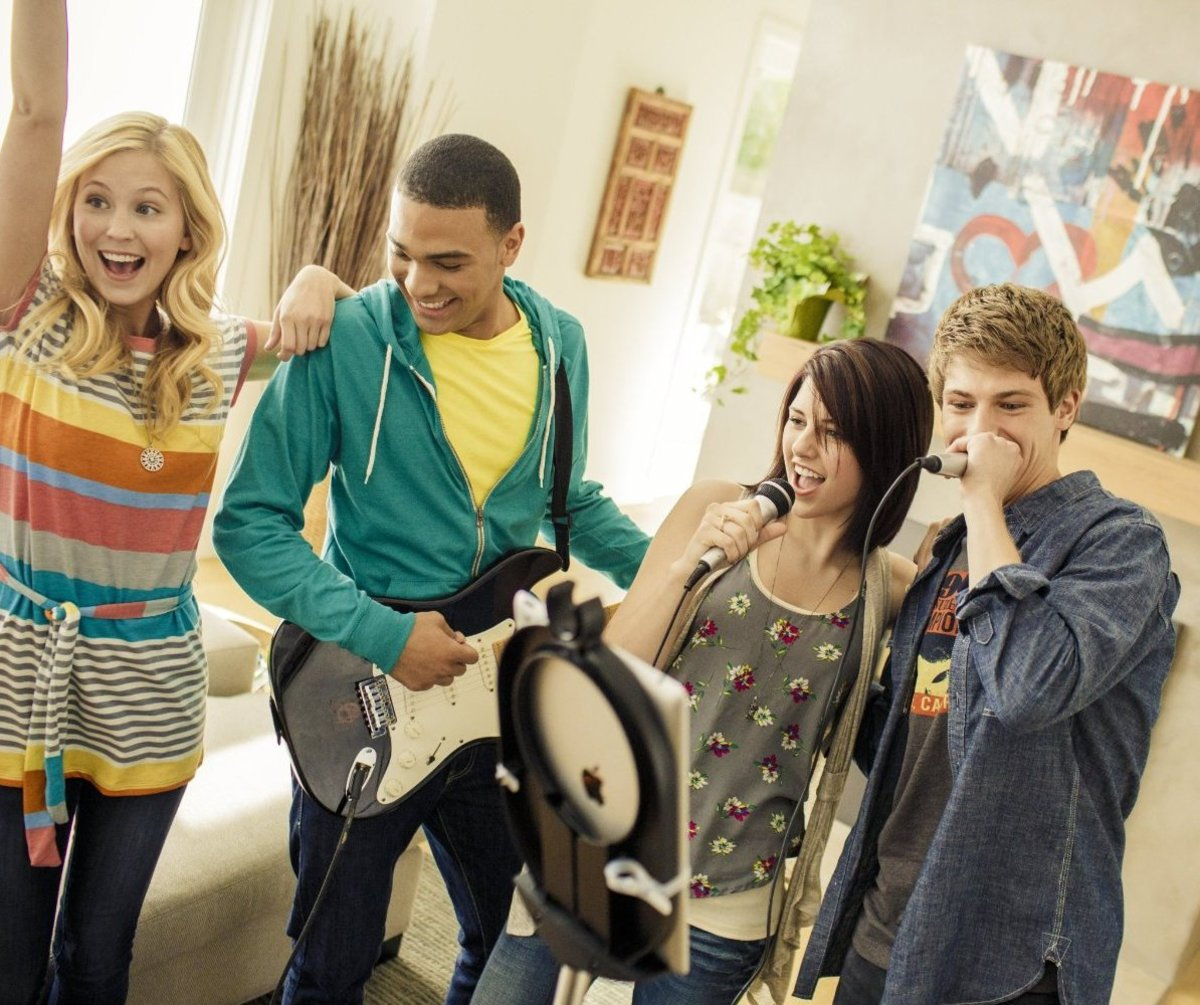 Teens who love singing will have a lot of fun with this home karaoke system that is packed into a mic stand.