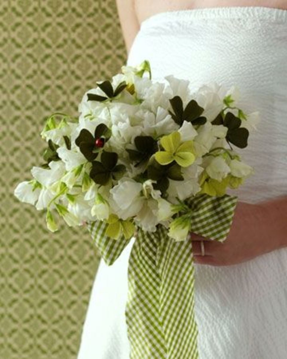 Wedding Flower Trends: Green and Gingham