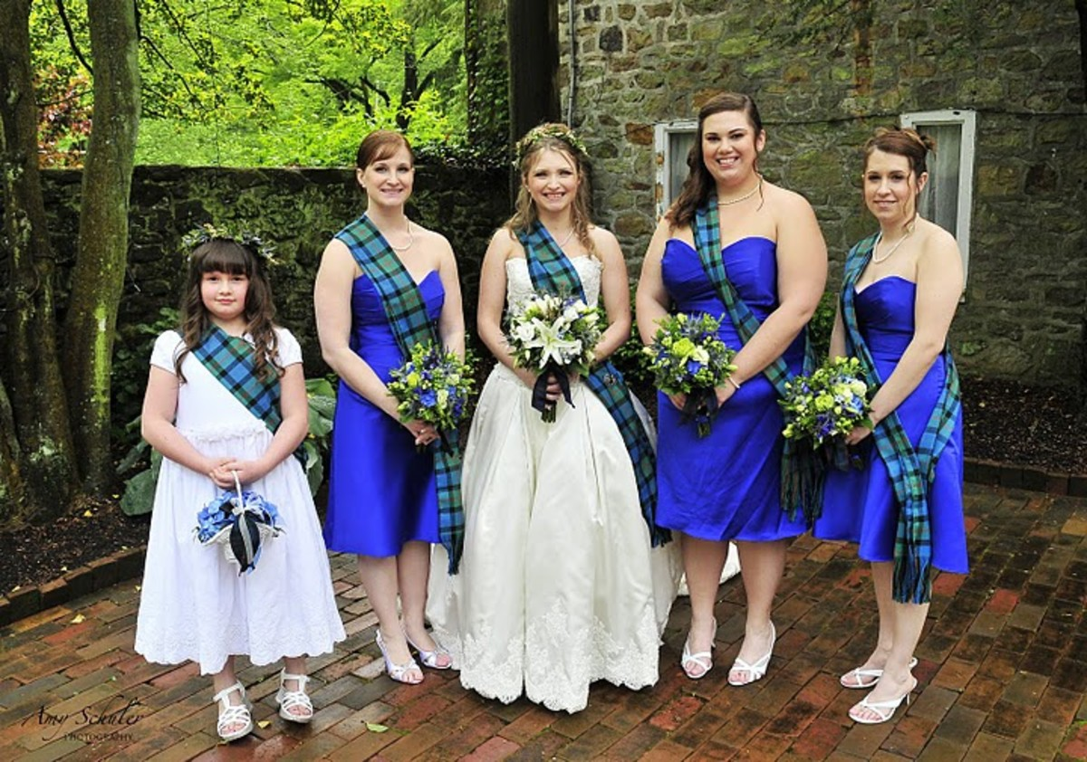 Me and my bridesmaids and flower girl on our wedding day
