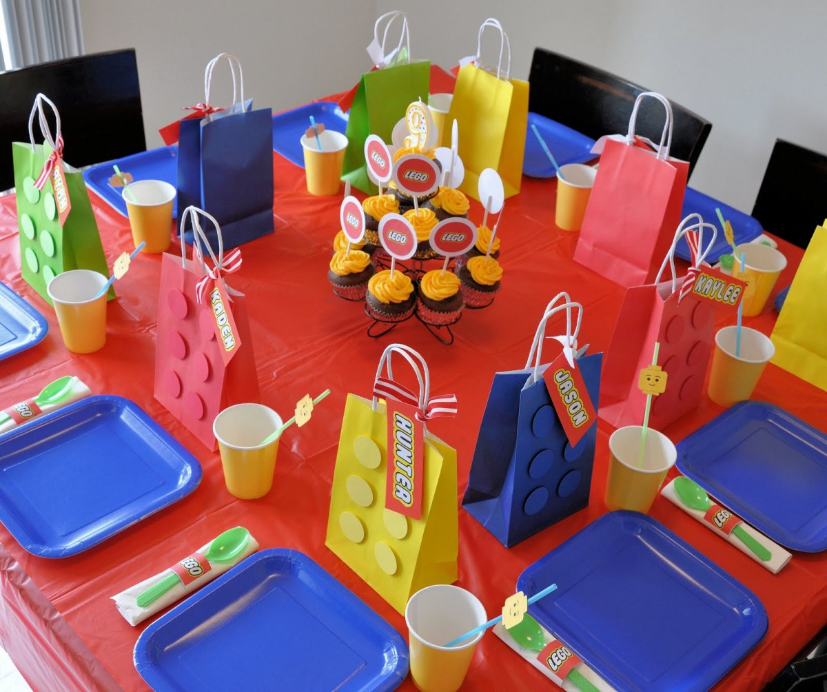 See these and even more party game ideas by visiting her blog