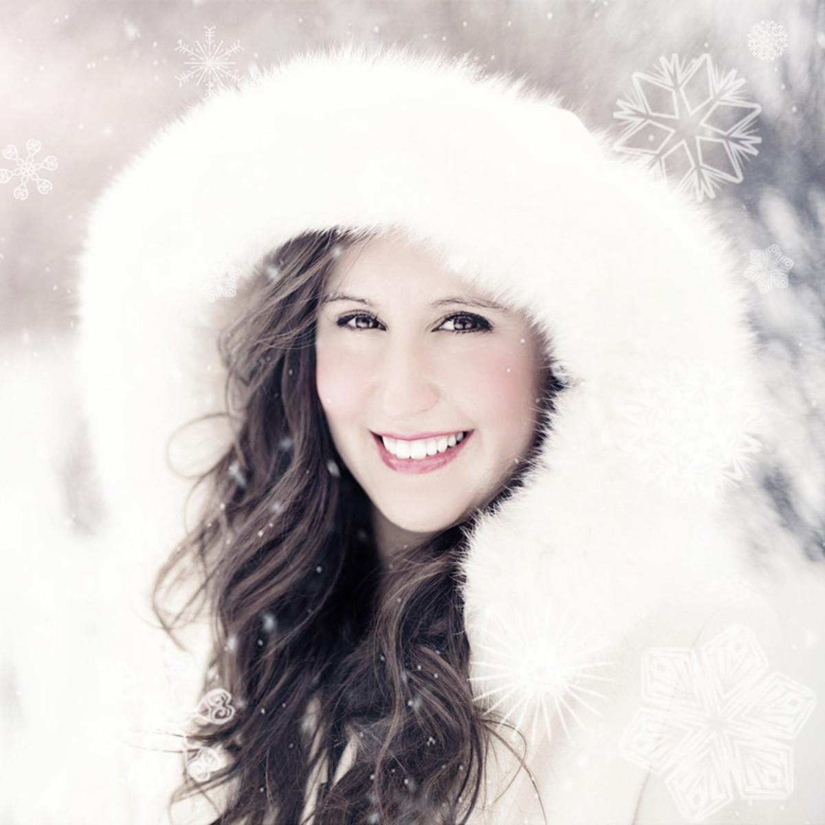 Faux fur lined white hooded cloak winter woman
