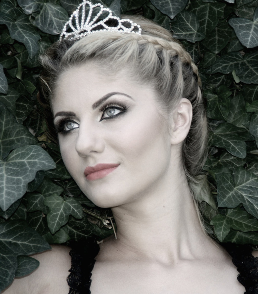 Sparkling tiara crown