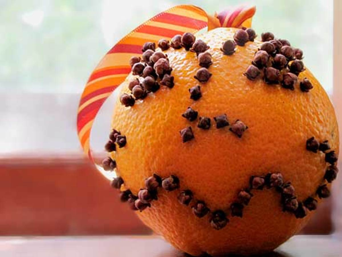 An orange-clove pomander is a traditional decoration in Irish homes at Christmas time.