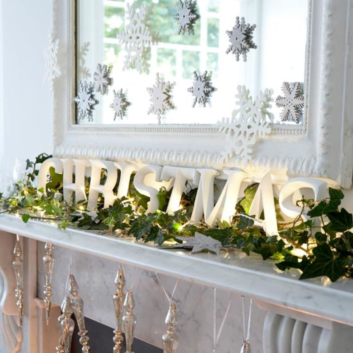 a christmas mantle