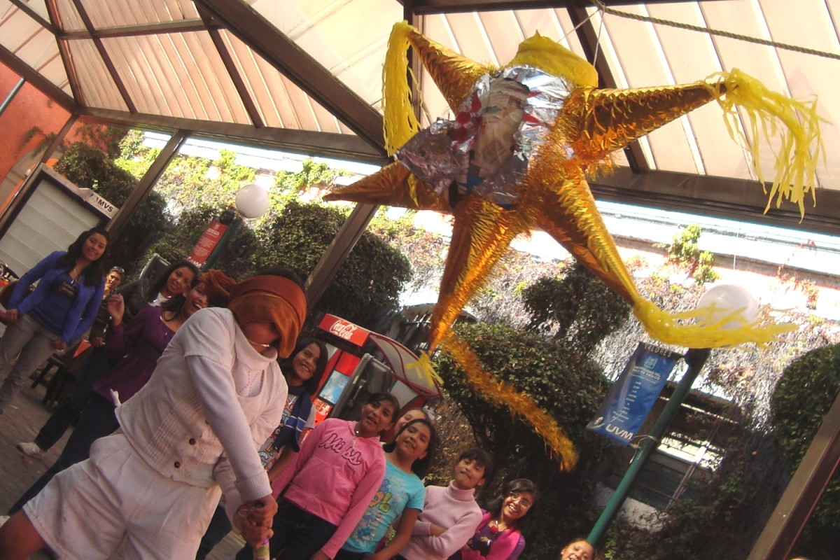 Piñatas are often a common activity at posadas.
